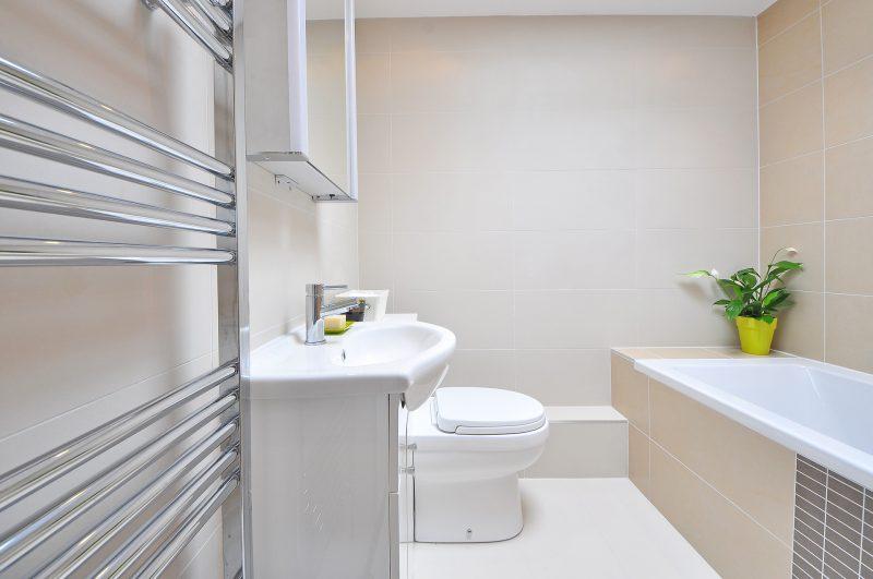צביעת האמבטיה – הפיתרון המושלם לאמבטיה חלודה או סדוקה